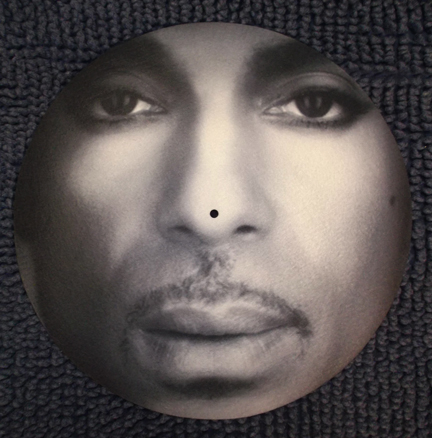Prince/CLOSEUP PORTRAIT SLIPMAT